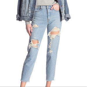 Levi's Wedgie Icon Fit Distressed Cropped Jeans